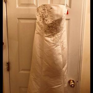 Allure Brides new dress wth tag Ivory/silvr sz 12